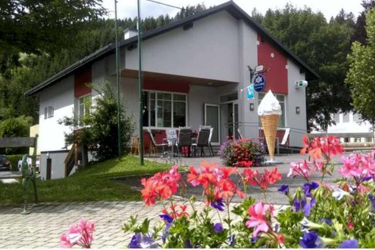 Dorfplatzl St Kathrein am Hauenstein Gastgeber am Feistriztalradweg R8 Steiermark