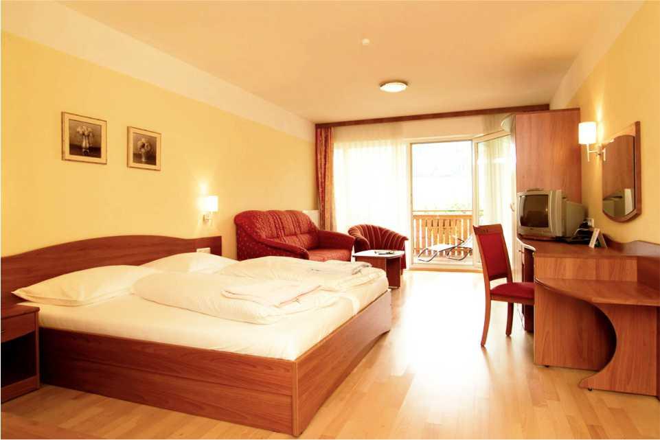 Hotel Angerer-Hof - Steiermark Gastgeber am Feistriztalradweg R8 Zimmer