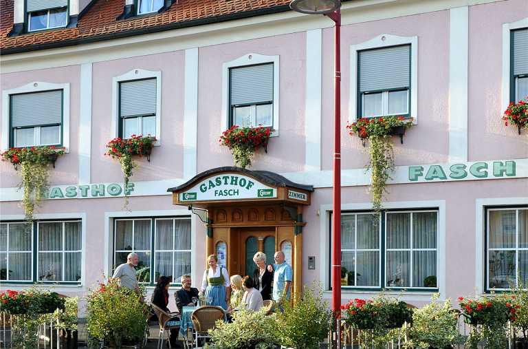 Gasthof Pension Fasch Fuerstenfeld Gastgeber am Feistritztalradweg R8